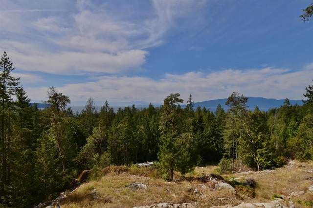10732 Wood Bay Ridge Road, Sechelt, BC V7Z 1B8 (#R2612950) :: 604 Home Group