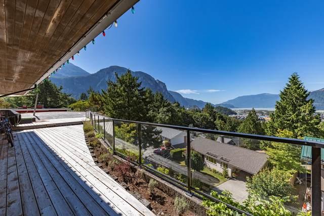 38287 Vista Crescent, Squamish, BC V8B 0B2 (#R2618571) :: 604 Home Group