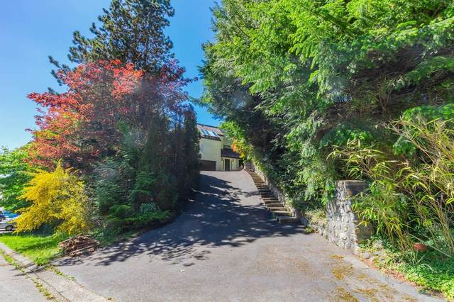 4279 Rockend Place, West Vancouver, BC V7W 1A1 (#R2620007) :: 604 Home Group