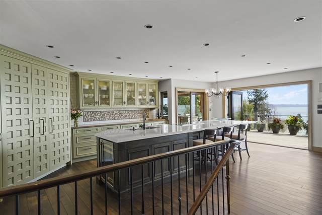 14170 Wheatley Avenue, White Rock, BC V4B 2W5 (#R2620331) :: RE/MAX City Realty