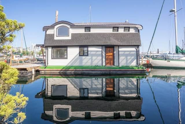 415 W Esplanade D17, North Vancouver, BC V7M 1A7 (#R2620672) :: 604 Home Group
