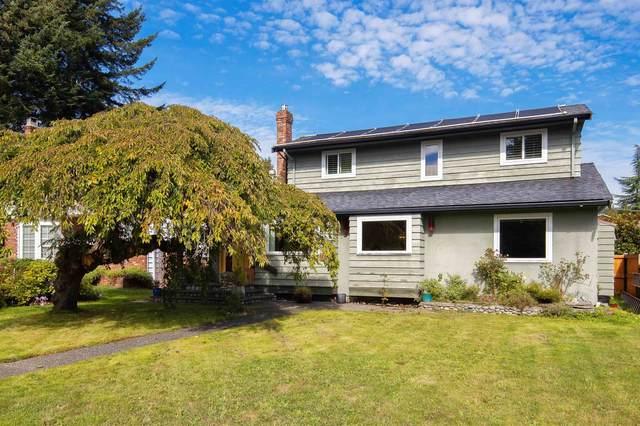 816 E 11TH Street, North Vancouver, BC V7L 2J1 (#R2620844) :: MC Real Estate Group