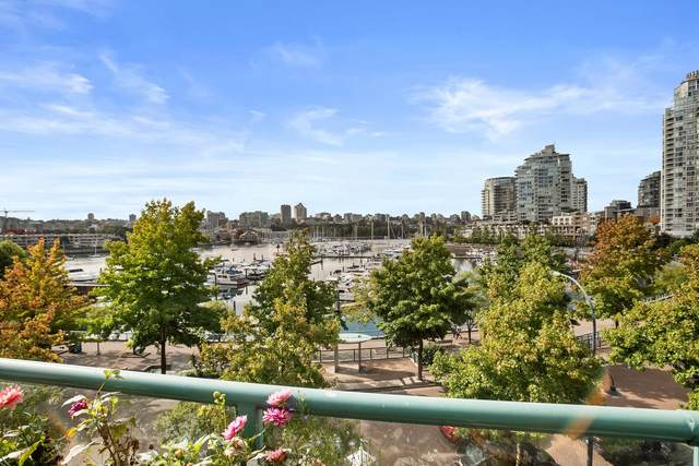 1067 Marinaside Crescent 3F, Vancouver, BC V6Z 3A4 (#R2620877) :: RE/MAX City Realty