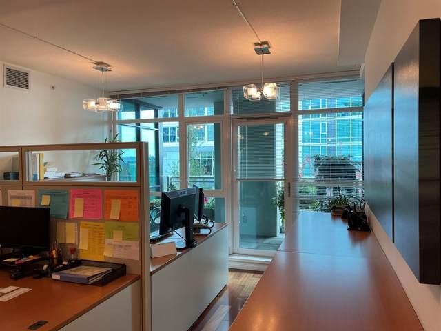 100 E Esplanade Street #307, North Vancouver, BC V7L 4V1 (#R2620969) :: Initia Real Estate