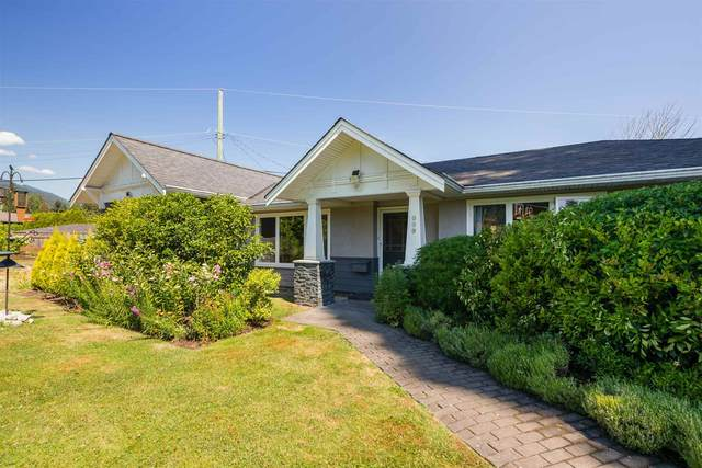 960 W Queens Road, North Vancouver, BC V7R 1H2 (#R2623308) :: Initia Real Estate