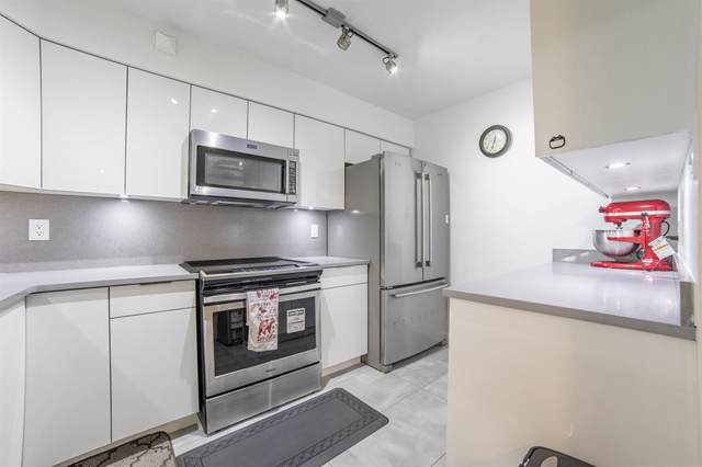6055 Nelson Avenue #402, Burnaby, BC V5H 4L4 (#R2626500) :: 604 Home Group