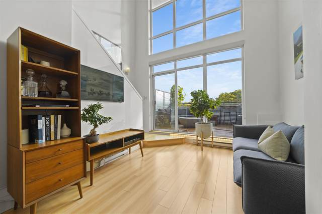 2250 Commercial Drive #407, Vancouver, BC V5N 5P9 (#R2626521) :: 604 Home Group