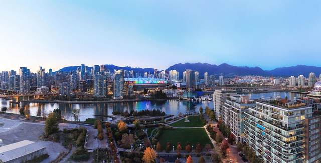 1768 Cook Street #1308, Vancouver, BC V5Y 0N3 (#R2626540) :: Initia Real Estate