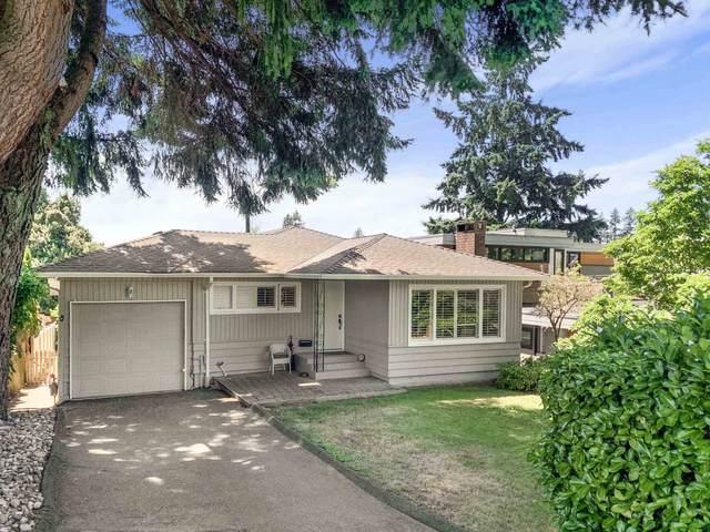 2342 Lawson Avenue, West Vancouver, BC V7V 2E6 (#R2627280) :: 604 Home Group