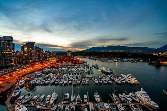 323 Jervis Street #1304, Vancouver, BC V6C 3P8 (#R2627893) :: 604 Home Group