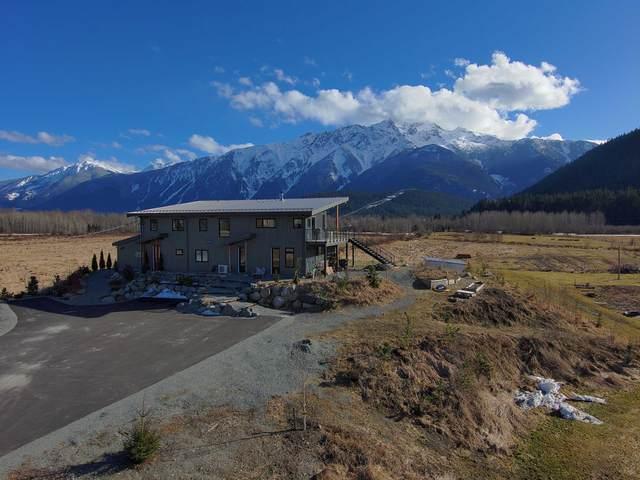 1380 Collins Road, Pemberton, BC V0N 2L0 (#R2628120) :: Initia Real Estate