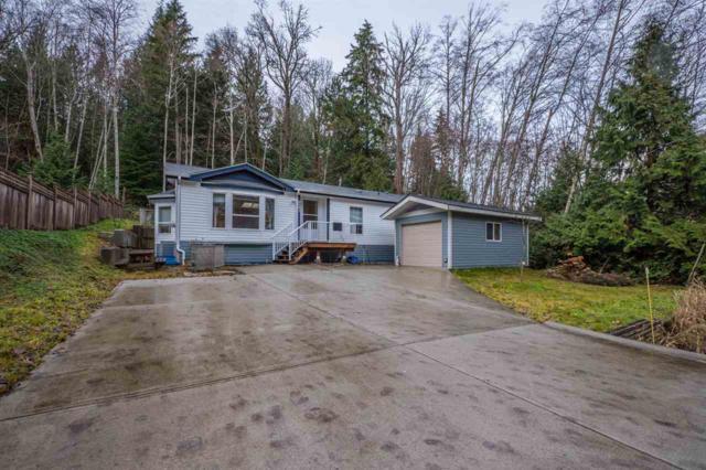 6083 Fairway Avenue, Sechelt, BC V0N 3A5 (#R2232724) :: Linsey Hulls Real Estate