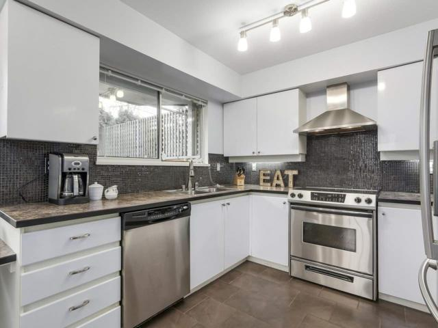 1009 Howay Street #105, New Westminster, BC V3M 6R1 (#R2239569) :: Re/Max Select Realty