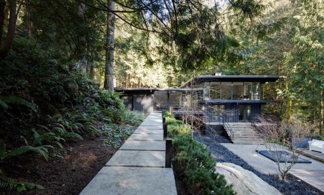 4301 Woodcrest Road, West Vancouver, BC V7S 2V9 (#R2245154) :: West One Real Estate Team