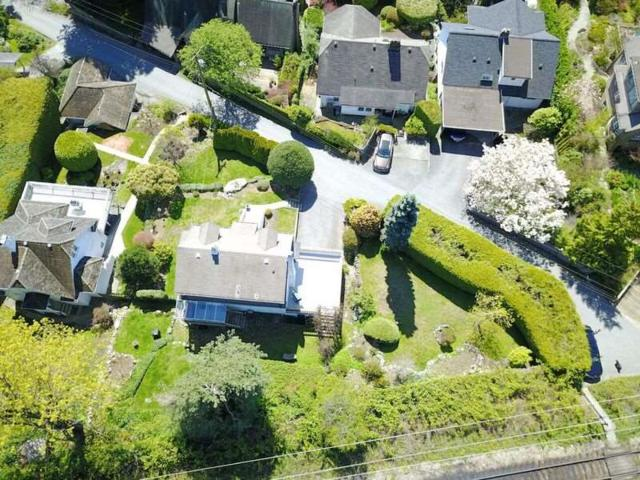 3271 Travers Avenue, West Vancouver, BC V7V 1G5 (#R2257502) :: Vancouver House Finders