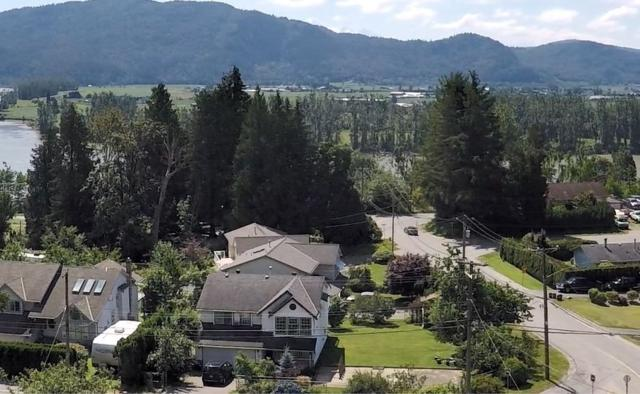 8010 Manson Street, Mission, BC V2V 6P1 (#R2287681) :: Vancouver House Finders