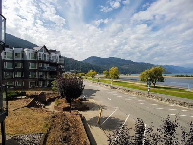 378 Esplanade Avenue #220, Harrison Hot Springs, BC V0M 1K0 (#R2305458) :: Vancouver House Finders