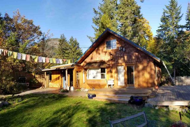 13066 Narrows Road, Madeira Park, BC V0N 2H1 (#R2309114) :: TeamW Realty