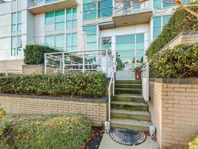 188 E Esplanade Th10, North Vancouver, BC V7L 4Y1 (#R2323267) :: Vancouver House Finders