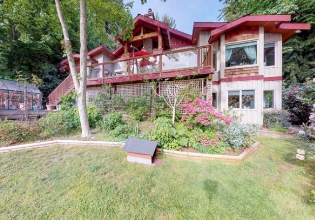 5081 Sunshine Coast Highway, Sechelt, BC V0N 3A2 (#R2371187) :: Vancouver Real Estate