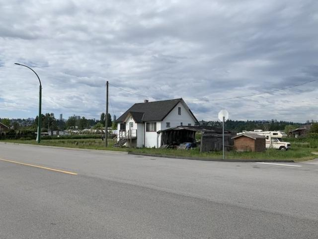 7392 North Fraser Way, Burnaby, BC V5J 4Z4 (#R2373214) :: Macdonald Realty