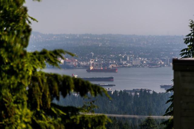555 St. Andrews Road, West Vancouver, BC V7S 1V3 (#R2375350) :: Royal LePage West Real Estate Services