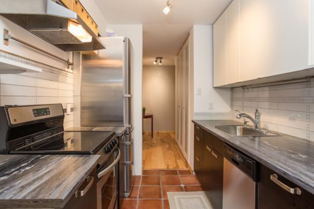 2016 Fullerton Avenue #604, North Vancouver, BC V7P 3E6 (#R2378536) :: Royal LePage West Real Estate Services