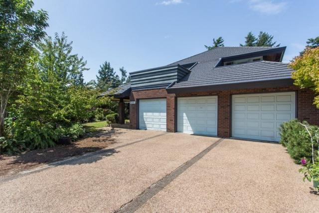 1201 Pacific Drive, Tsawwassen, BC V4M 2K2 (#R2395185) :: Ben D'Ovidio Personal Real Estate Corporation | Sutton Centre Realty