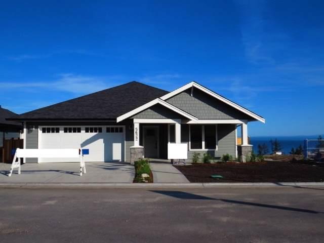 5638 Kingbird Crescent, Sechelt, BC V0N 3A7 (#R2410996) :: RE/MAX City Realty