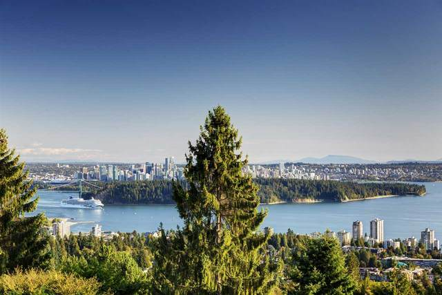 2238 Folkestone Way #20, West Vancouver, BC V7S 2X7 (#R2488423) :: Initia Real Estate