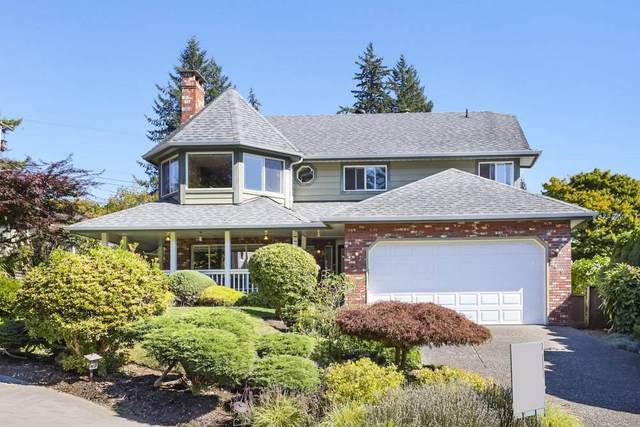 2439 Berton Place, North Vancouver, BC V7H 2W9 (#R2495576) :: Initia Real Estate