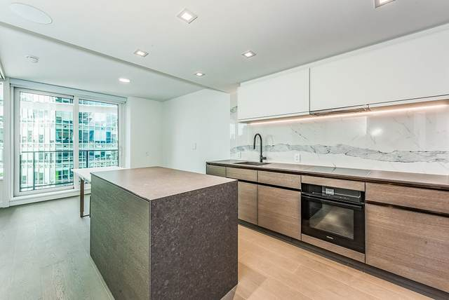 620 Cardero Street #1604, Vancouver, BC V6G 0C7 (#R2501085) :: 604 Realty Group