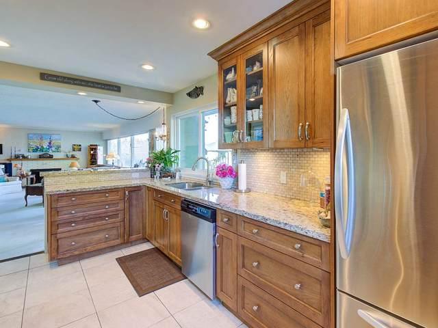 8111 Seafair Drive, Richmond, BC V7C 1W8 (#R2503967) :: Initia Real Estate