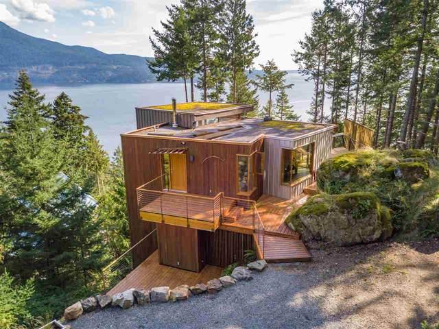 231 Highland Trail, Bowen Island, BC V0N 1G1 (#R2506552) :: Homes Fraser Valley