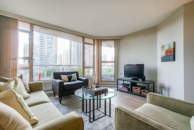 4657 Hazel Street #704, Burnaby, BC V5H 4R2 (#R2511818) :: Initia Real Estate