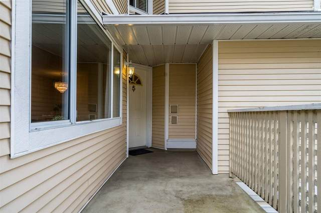 2223 St Johns Street #5, Port Moody, BC V3H 4L9 (#R2542519) :: Macdonald Realty