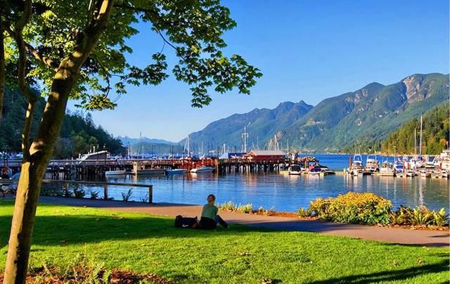 6688 Royal Avenue #201, West Vancouver, BC V7W 2B9 (#R2544018) :: Macdonald Realty