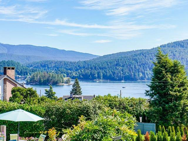 612 Baycrest Drive, North Vancouver, BC V7G 1N8 (#R2616316) :: 604 Home Group