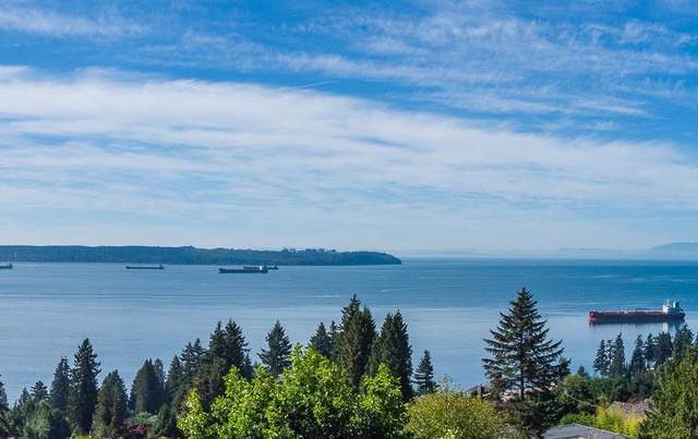 3190 Benbow Road, West Vancouver, BC V7V 3E2 (#R2616779) :: 604 Home Group