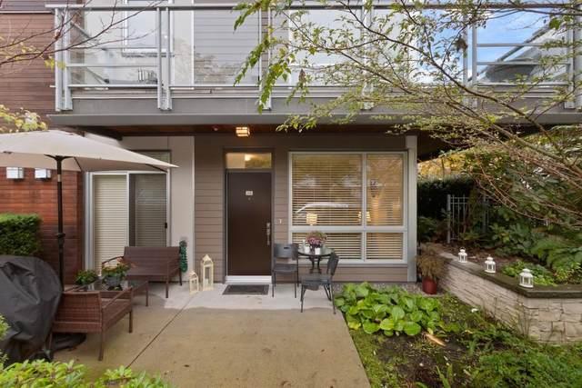 735 W 15TH Street #112, North Vancouver, BC V7M 0B8 (#R2626438) :: 604 Home Group