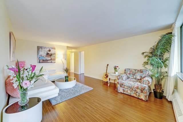 6651 Minoru Boulevard #210, Richmond, BC V6Y 1Z2 (#R2628359) :: 604 Home Group