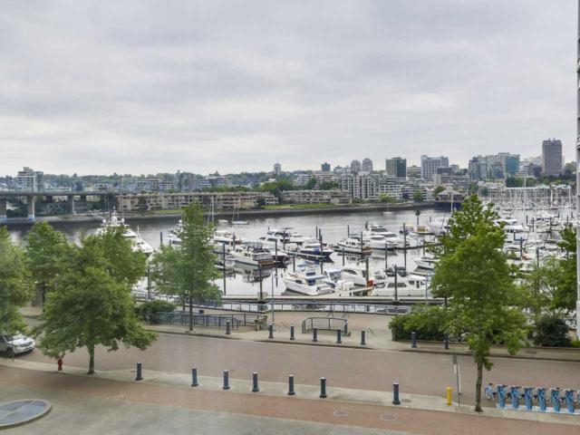 1077 Marinaside Crescent #505, Vancouver, BC V6Z 2Z5 (#R2270136) :: TeamW Realty