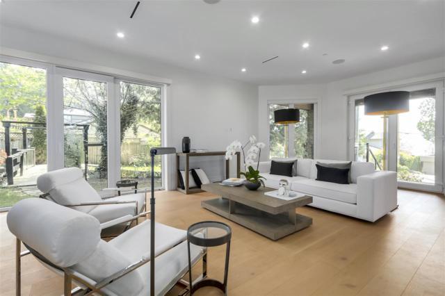 3177 Westmount Place, West Vancouver, BC V7V 3G4 (#R2278059) :: Vancouver House Finders
