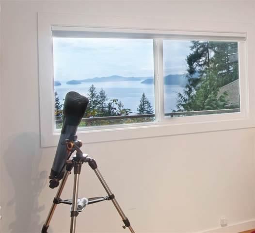 520 Bayview Road, Lions Bay, BC V0N 2E0 (#R2510253) :: Initia Real Estate