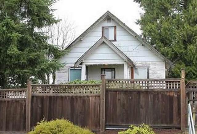 609 Alderson Avenue, Coquitlam, BC V3K 1T4 (#R2533425) :: 604 Realty Group