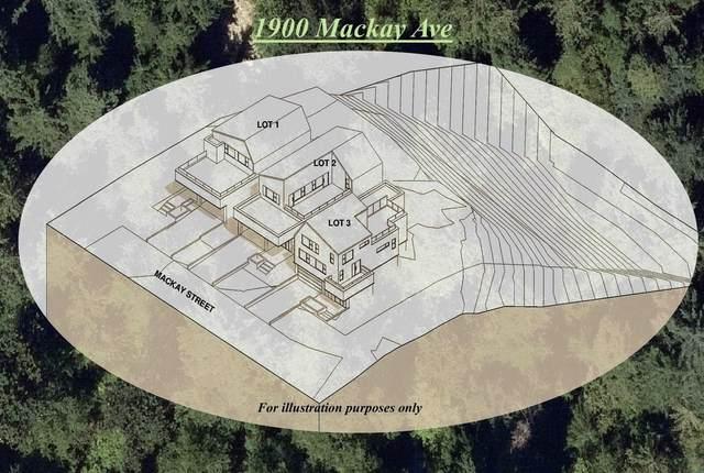 1900 Mackay Avenue, North Vancouver, BC V7P 2M7 (#R2602532) :: 604 Realty Group