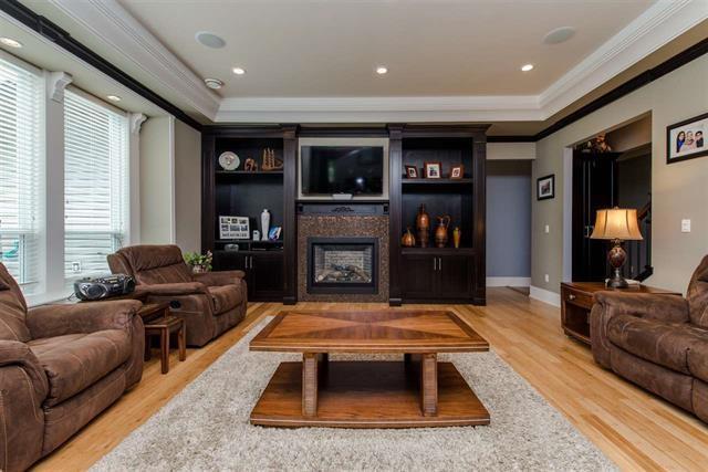 5711 264 Street, Langley, BC V4W 1K7 (#R2196220) :: Titan Real Estate - Re/Max Little Oak Realty