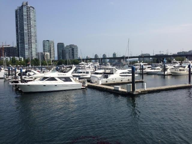 1088 Marinaside Crescent E2, Vancouver, BC V6Z 3C4 (#R2198332) :: Re/Max Select Realty