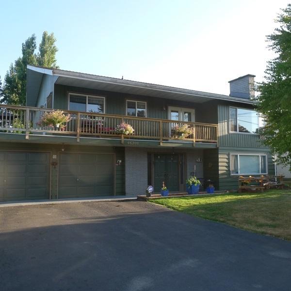 46200 Larch Avenue, Chilliwack, BC V2P 1E6 (#R2199220) :: Titan Real Estate - Re/Max Little Oak Realty