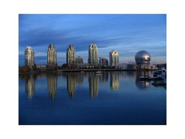 1188 Quebec Street #2302, Vancouver, BC V6A 4B2 (#R2207829) :: West One Real Estate Team